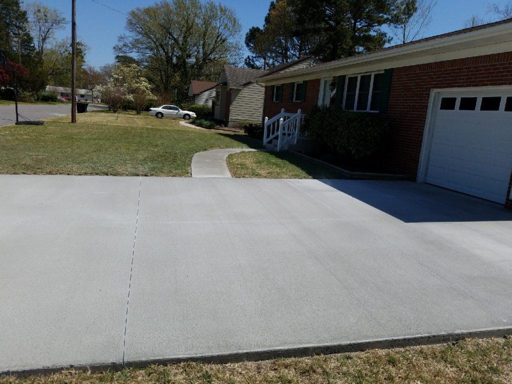 Broom finish driveway & walkway